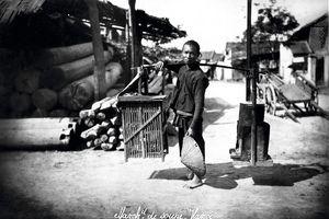Nhớ về Hà Nội xưa qua hình ảnh gánh hàng rong và tiếng rao đường phố