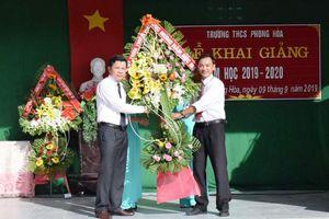 Gần 3.400 học sinh tại 11 điểm trường vùng lũ Phong Điền khai giảng năm học mới