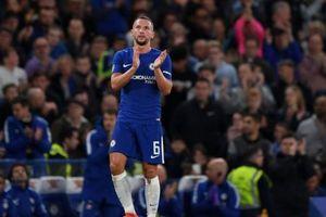 Ve vãn bạn gái đồng nghiệp, cầu thủ Chelsea bị đánh tơi tả