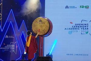 Hơn 2.500 tân sinh viên Trường Đại học Hoa Sen khai giảng năm học mới