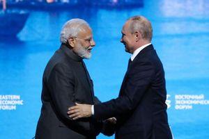 Nga - Ấn Độ mở tuyến hàng hải mới qua Biển Đông; Trump hủy hòa đàm bí mật với Taliban