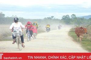 Ngày đầu đến trường của học sinh vùng lũ Hương Khê
