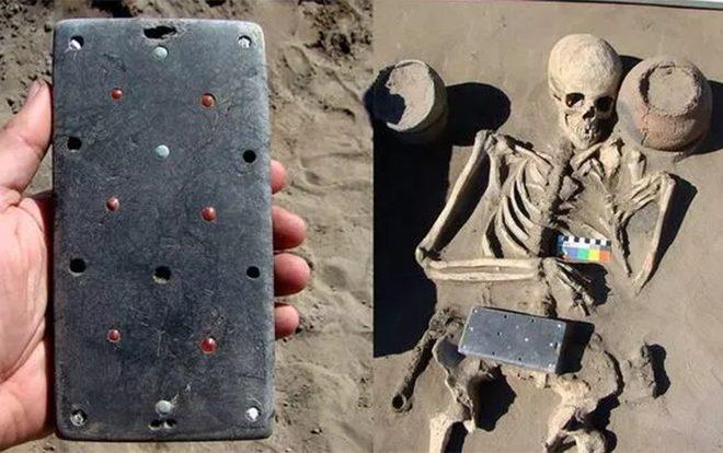 Phát hiện 'iPhone' niên đại 2.137 năm trong lăng mộ của thiếu phụ