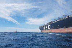 Cứu nạn thuyền viên tàu Panama gặp nạn ở Hoàng Sa
