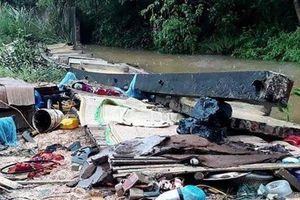 Mưa lớn gây đổ tường, 3 thợ xây ở Thái Nguyên tử vong