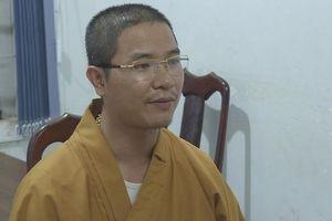 Thầy chùa đập vỡ kính ô tô: Mắc tâm thần phân liệt, hành động vậy... bình thường?