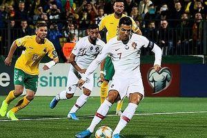 Ronaldo lập cú poke, Bồ Đào Nha nhấn chìm Lithuania