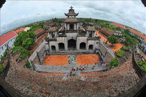 Nhà thờ đá Phát Diệm nhìn từ trên cao