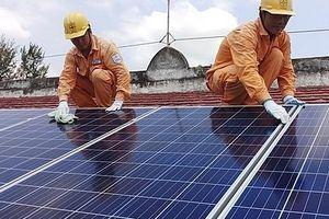 Khách hàng điện mặt trời áp mái muốn sớm có qui định giá bán điện mới