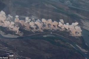 Khoảnh khắc Mỹ ồ ạt dội gần 40 tấn bom xóa sổ thành trì của IS