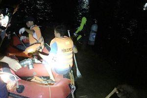 Nỗ lực tìm kiếm nạn nhân mất tích trên sông Bạng