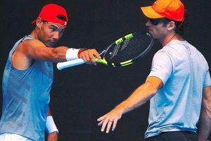 Moya 'cảnh báo' Federer và Djokovic, nói Nadal chưa lên đến đỉnh, nhưng Nadal bất đồng ý kiến