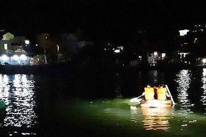 Lật tàu chở 7 ngư dân cùng 3 tấn ngao, 1 người mất tích