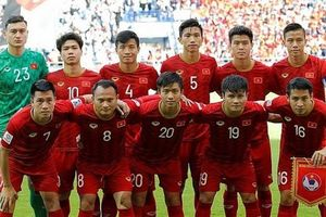 Việt Nam tự làm khó mình trước trận gặp Malaysia