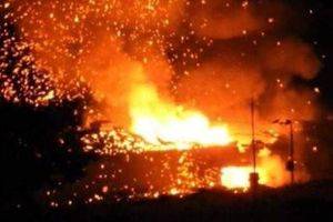 Cháy kho vũ khí, bom đạn nổ rung chuyển cả vùng