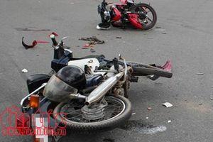 Hai xe máy tông trực diện nhau, hai người tử vong