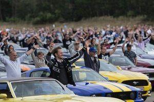 Trình diễn 1326 xe Ford Mustang lớn nhất trong lịch sử