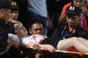 Hà Nội FC lo toàn bộ chi phí phẫu thuật cho cổ động viên nữ bị trúng pháo sáng