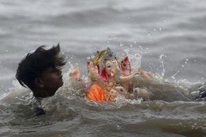 Lật thuyền trong nghi lễ tôn giáo, 12 tín đồ Hindu chết đuối ở Ấn Độ