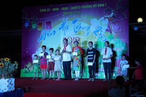Quận Nam Từ Liêm thăm và tặng quà Tết Trung thu cho các em thiếu nhi