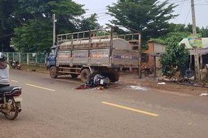 Tông vào xe tải chở mủ cao su, người phụ nữ thiệt mạng