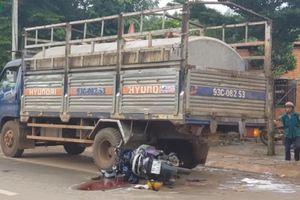 Đâm xe máy vào đuôi xe tải, một phụ nữ ở Bình Phước thiệt mạng