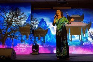 Da diết tiếng lòng Việt trên quê hương Chopin