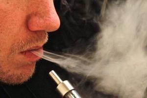 Hút thuốc lá điện tử, phổi của thiếu niên như của ông già 70 tuổi