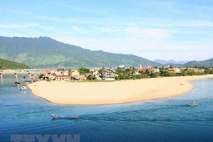 Thừa Thiên-Huế phát huy tiềm năng du lịch biển Lăng Cô