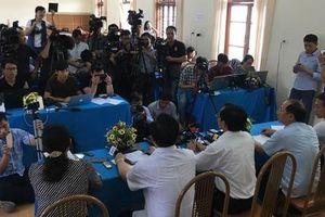 Xét xử vụ gian lận điểm thi ở Sơn La, triệu tập nhiều phụ huynh và học sinh