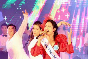 Á quân Tiếng hát ASEAN+3 Trần Hồng Nhung: Thành công vì dám dấn thân vào lĩnh vực mới