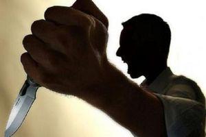 Cãi vã nghi ngờ vợ có nhân tình, chồng dùng dao đâm vợ gục tại chỗ