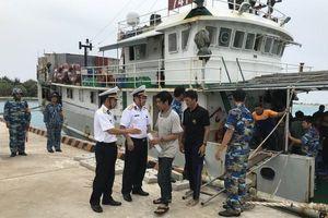 Cứu thành công 46 ngư dân bị nạn trên biển