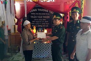 Chia sẻ với gia đình ngư dân bị nạn trong vụ chìm tàu ở Quảng Bình