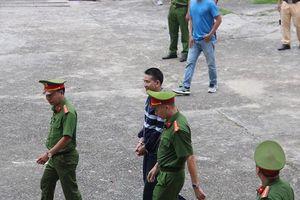 Bản án 2 năm tù về tội chống người thi hành công vụ đối với 'thánh chửi' Trần Đình Sang