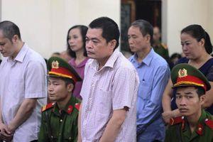 Gian lận thi cử tại Hà Giang: Quá nhiều nhân chứng vắng mặt, Hội đồng xét xử quyết định hoãn phiên tòa