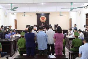 Hoãn tòa xử vụ gian lận thi cử ở Hà Giang vì vắng mặt hơn trăm người!