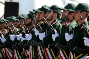 Iran trước Mỹ, không phải là 'châu chấu đá xe' ?