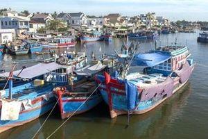 Cơn sóng nợ xô ngã làng chài tỷ phú