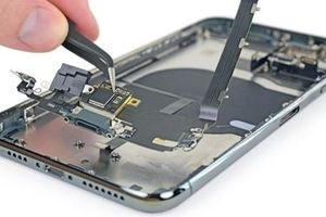 Xem chuyên gia iFixit mổ xẻ 'khủng long' iPhone 11 Pro Max