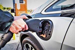 Quảng bá rầm rộ nhưng thị phần xe điện ở Mỹ chỉ đạt mức 1%