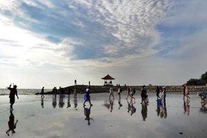 Sợ ở tù vì 'ăn cơm trước kẻng', nhiều khách hủy du lịch tới Bali