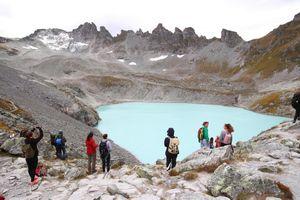 Thụy Sĩ tổ chức 'tang lễ' trên cao cho sông băng 'qua đời'