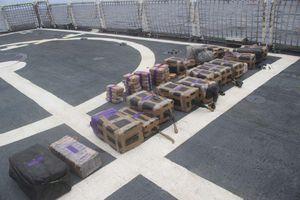 Tàu ngầm ở Thái Bình Dương chứa 5,4 tấn cocaine