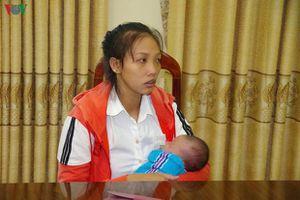 Mẹ nhẫn tâm bán con sang Trung Quốc với giá 40 triệu đồng