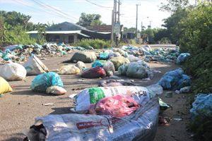 Quảng Nam 'giải cứu' hơn 17.000 khối rác thải sinh hoạt ùn ứ