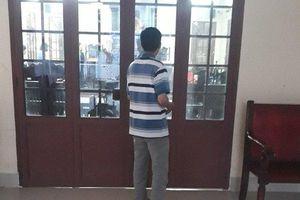 Thủ đoạn của gã đàn ông dâm ô nhiều bé gái trong trường học