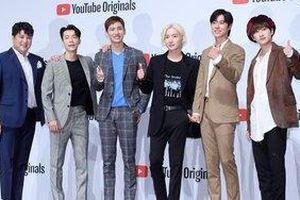 Những anh chú tuổi 30 của DBSK - Super Junior đáng yêu và lịch lãm tại họp báo