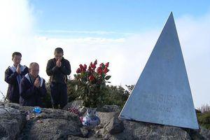 Hòa thượng Thích Huyền Diệu thăm và cầu an trên đỉnh Fansipan