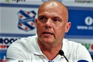 Huấn luyện viên Heerenveen chỉ trích các cầu thủ